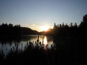 sunrise-magic-lake-pender-island