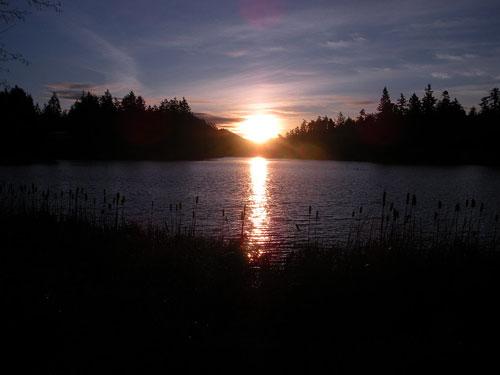 magic-lake-sunrise